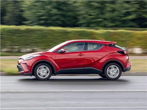 Toyota C-HR (2020) вид сбоку