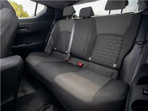 Toyota C-HR (2020) задний диван