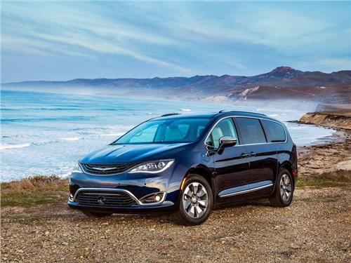 Новость про Chrysler Pacifica - Chrysler планирует пополнить свой модельный ряд новым электрокаром