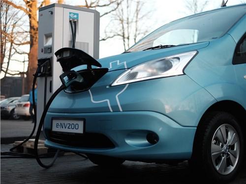 Новость про Nissan - Nissan планирует создать компактный электрокар
