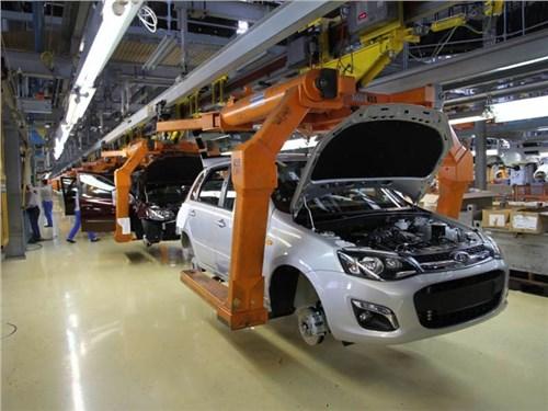 Новость про Lada - АвтоВАЗ приостановит производство автомобилей