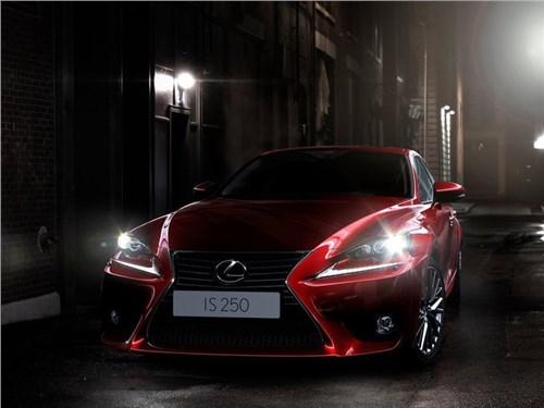 Lexus сокращает свой модельный ряд в России