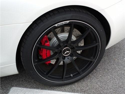 Новость про Mercedes-Benz - Daimler AG будет использовать дождевую воду для охлаждения шин