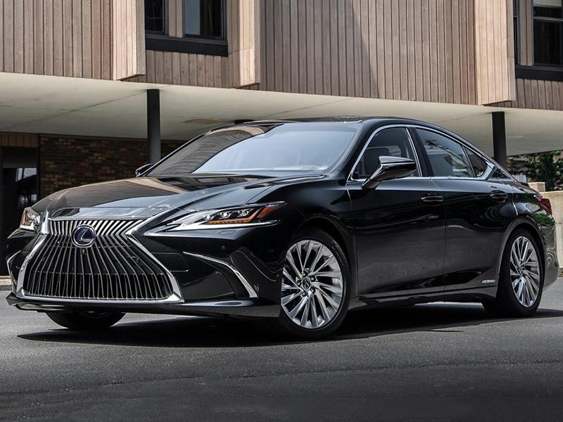 Lexus раскрыл комплектации седана ES для России