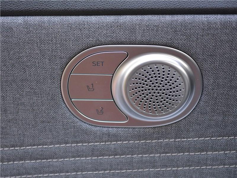 Hyundai Elantra (2021) динамик Bose