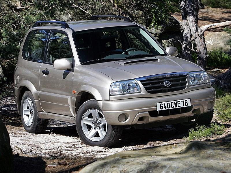 Suzuki Grand Vitara 3d 2004 вид спереди справа