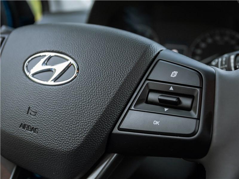 Hyundai Creta 2016 управление настройками борткомпьютера