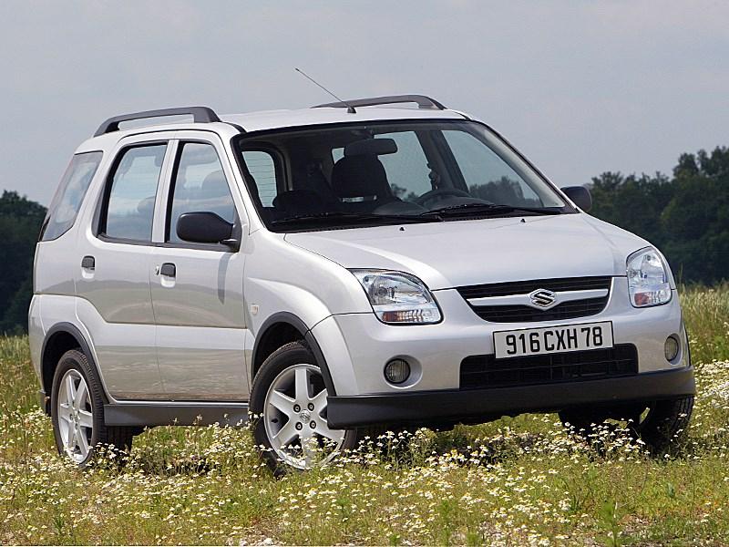 Suzuki Ignis 2004 4х4 вид спереди справа