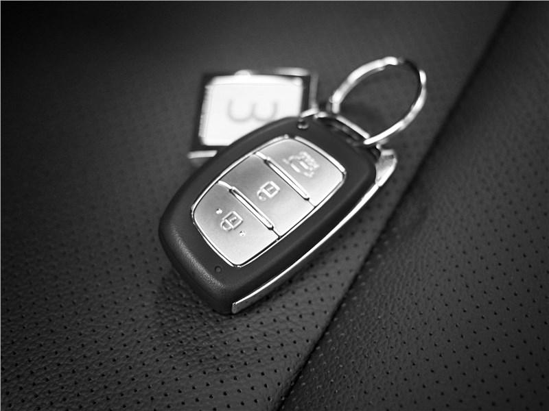 Hyundai Creta 2016 ключ с системой системой безключевого доступа