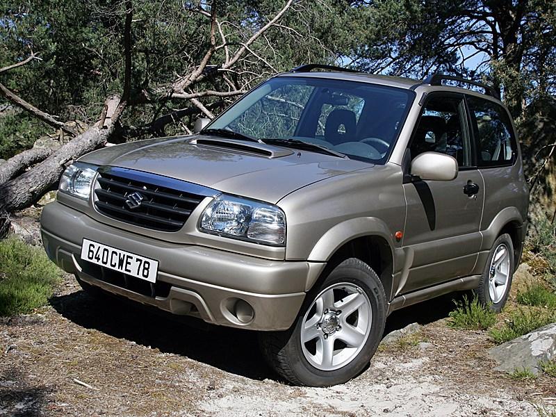 Suzuki Grand Vitara 3d 2004 вид спереди слева