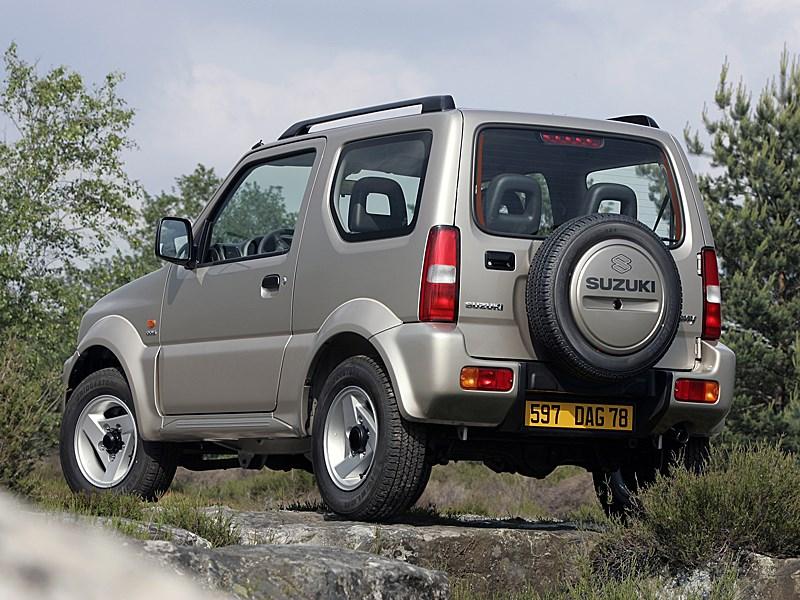 Suzuki Jimny 2004 вид сзади слева