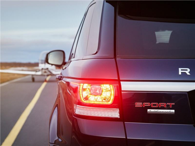 Land Rover Range Rover Sport 2017 задний фонарь