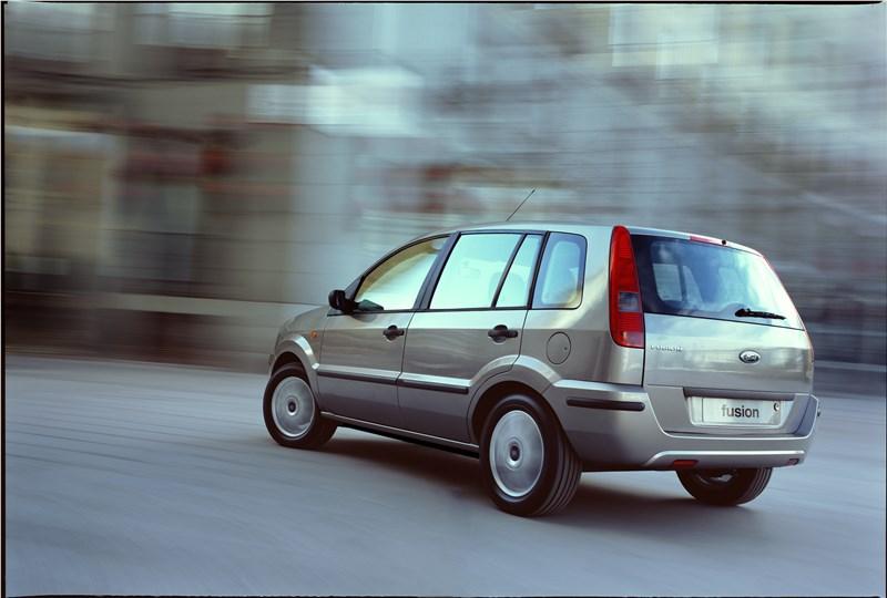 Ford Fusion 2002 динамика фото 5