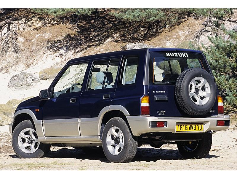 Suzuki Vitara 5d первого поколения вид сзади справа