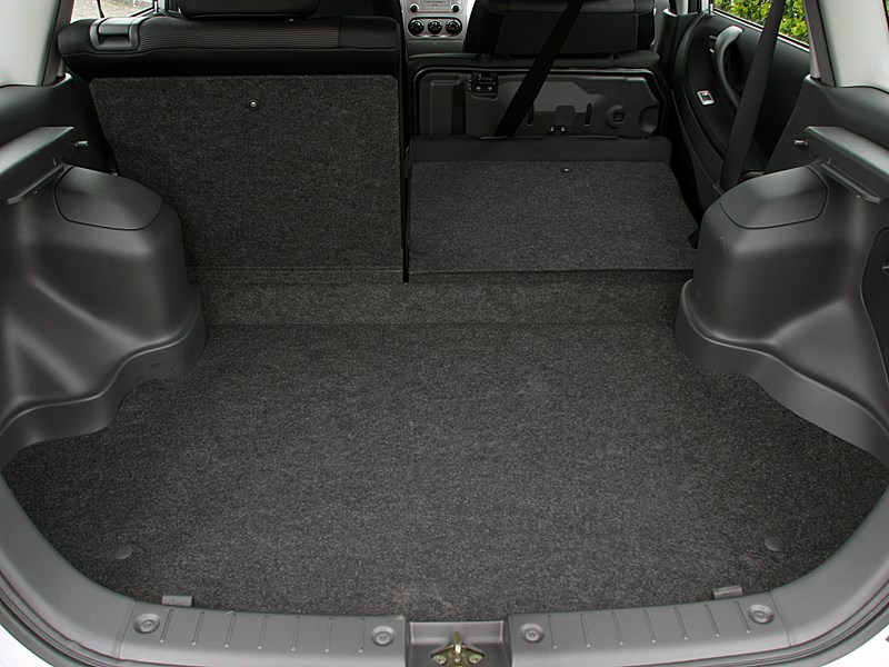 Suzuki Liana хэтчбек 2004 багажник