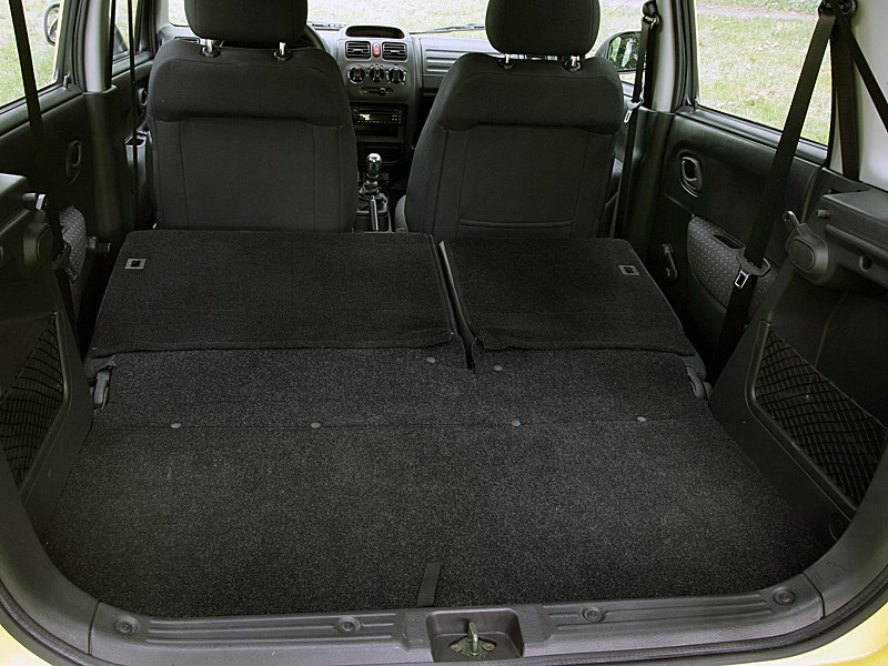 Suzuki Wagon R+ 2004 багажник