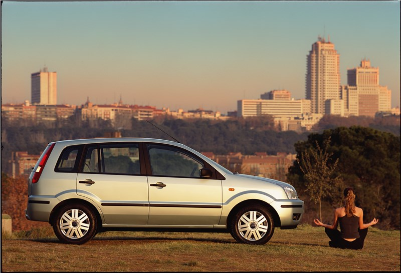 Ford Fusion 2002 статика фото 10