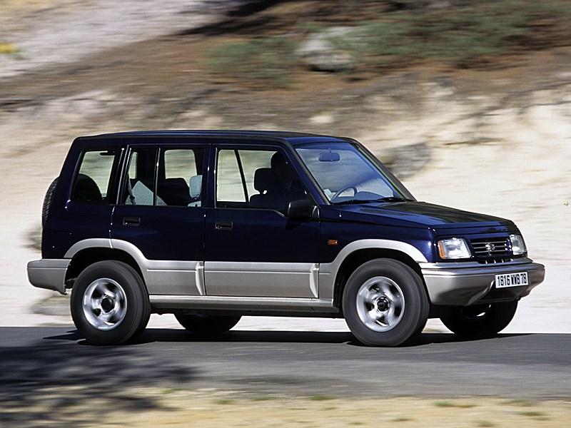 Suzuki Vitara 5d первого поколения вид спереди справа в динамике