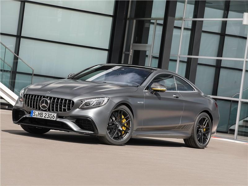 Mercedes-Benz S-class Coupe - mercedes s 560 coupe 4matic 2018: четверть миллиона долларов у бордюра