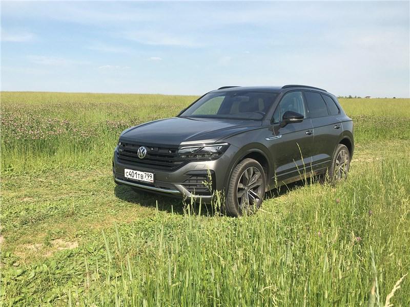 Volkswagen Touareg R-Line (2021) дистанция престижа