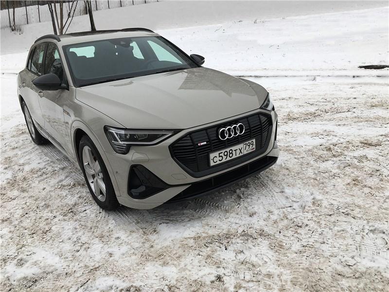 Audi e-tron - audi e-tron (2020) гость из будущего