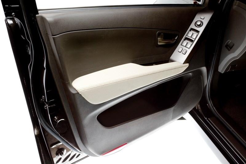 SsangYong Actyon Sports 2010 внутренняя панель водительской двери