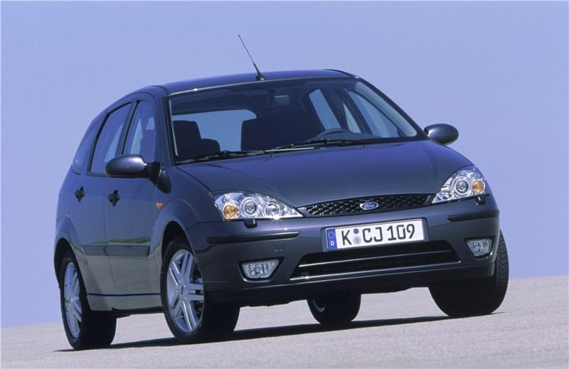 Ford Focus 1998 кузов хэтчбек вид спереди