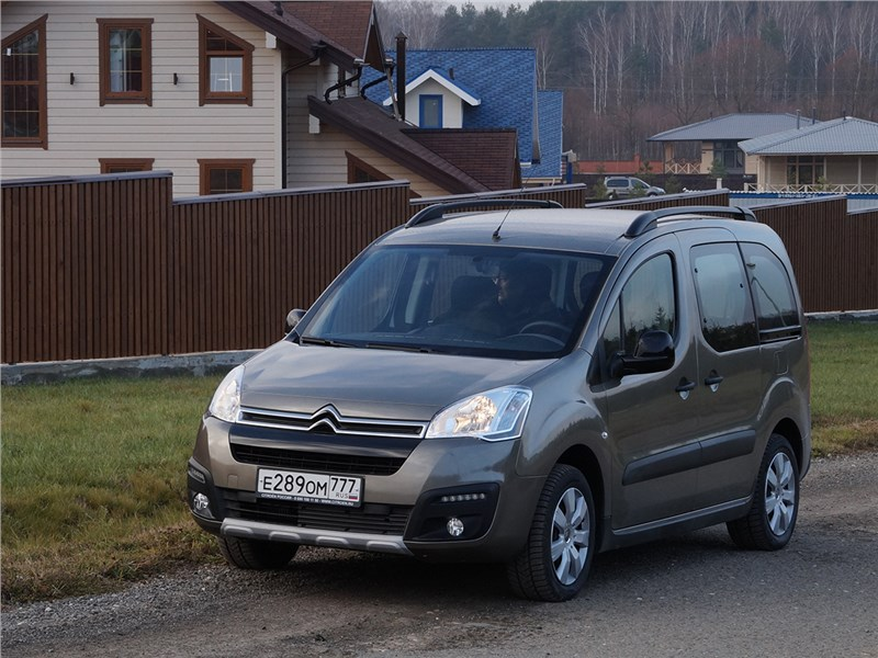 Короли практичности (Renault Kangoo, Peugeot Partner, Citroen Berlingo, Volkswagen Caddy) Berlingo