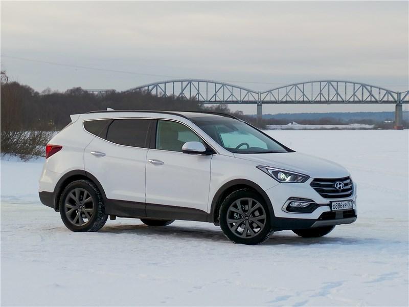 Hyundai Santa Fe 2015 вид спереди сбоку