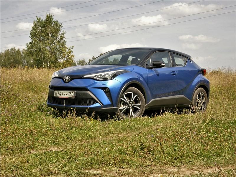 Toyota C-HR - toyota c-hr 2020 сама себе соперница