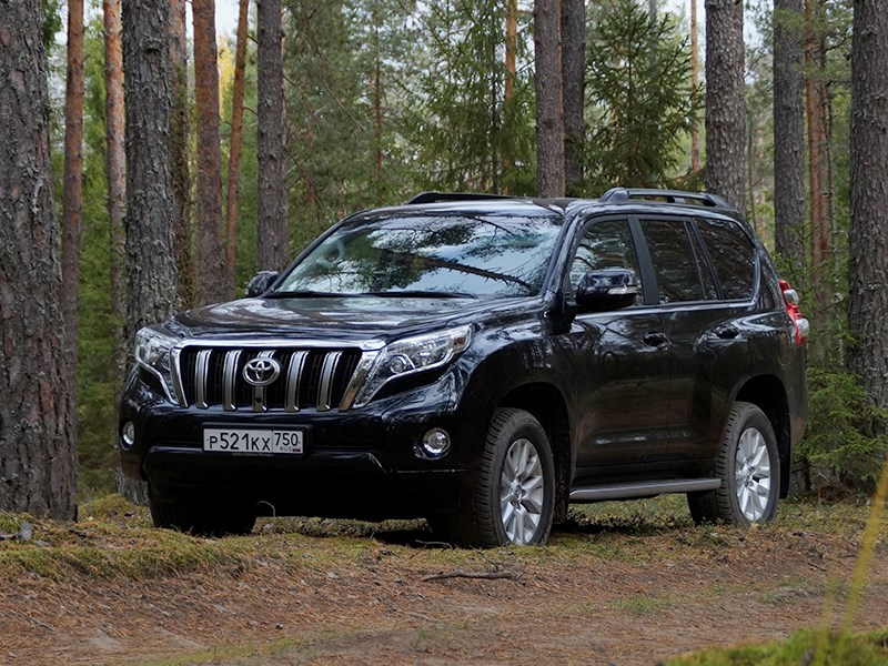 Toyota Land Cruiser Prado 2014 вид спереди