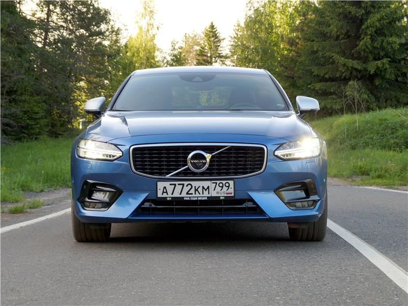 Volvo S90 2019 вид спереди
