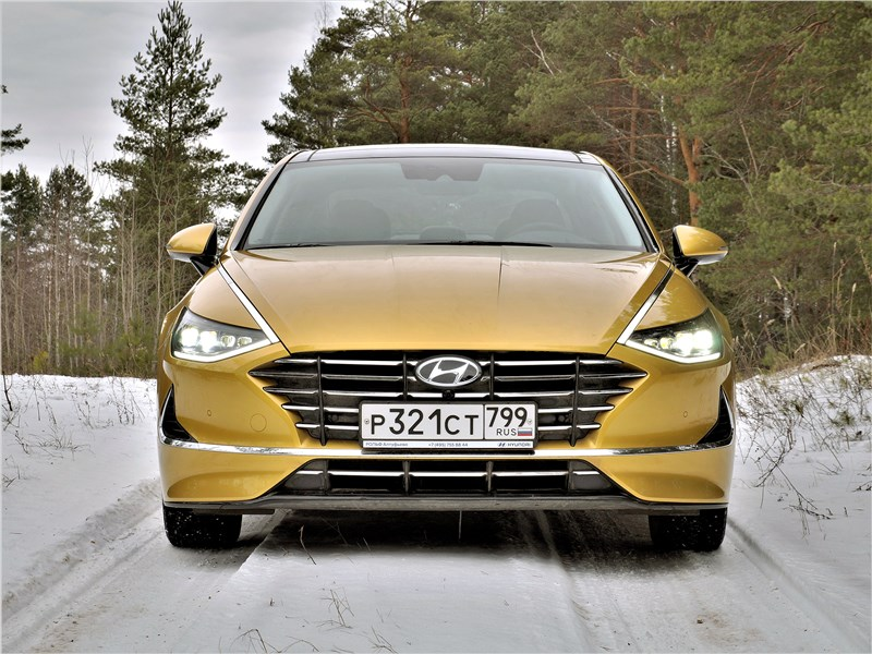 Hyundai Sonata 2020 вид спереди