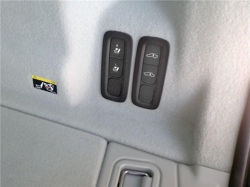 Volvo XC60 2018 багажное отделение