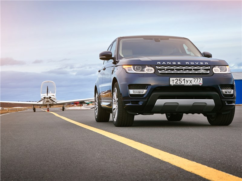 Land Rover Range Rover Sport 2017 вид спереди