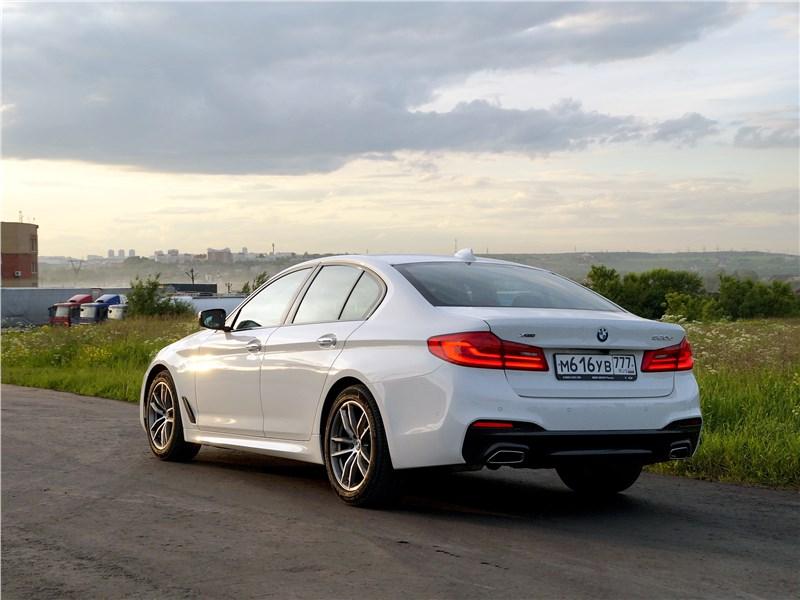 BMW 520d 2017 вид сзади