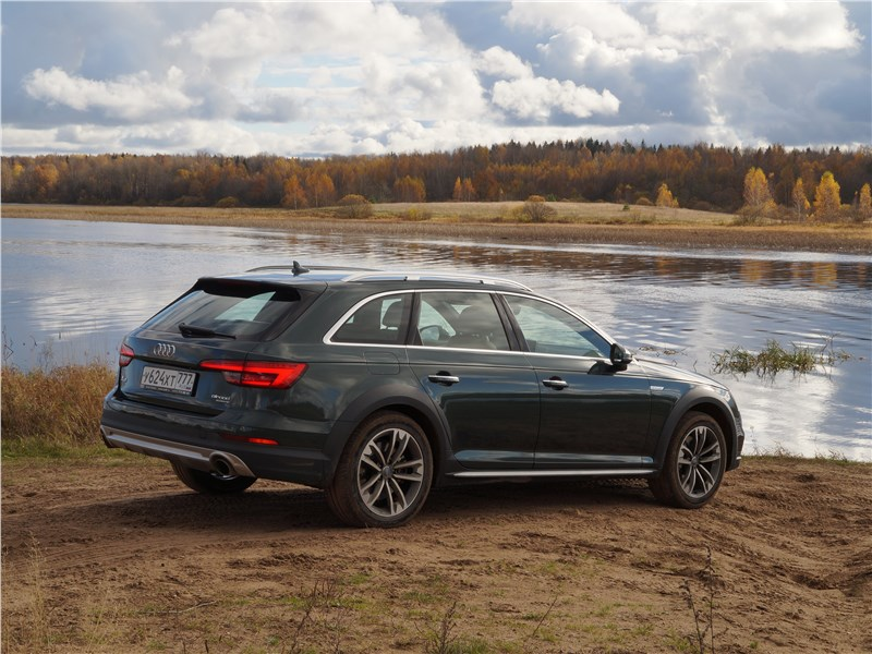 Audi A4 allroad quattro 2016 вид сбоку сзади