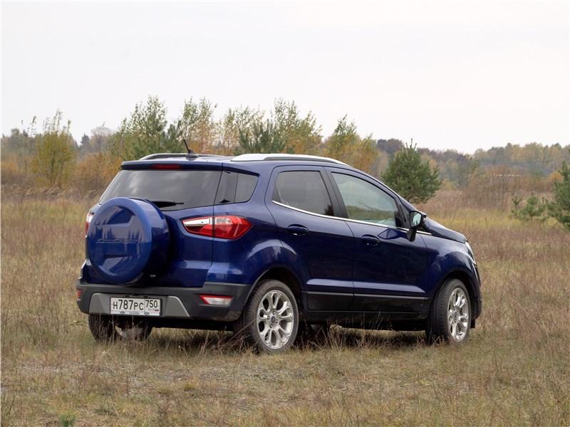 Ford EcoSport 2018 вид сбоку сзади