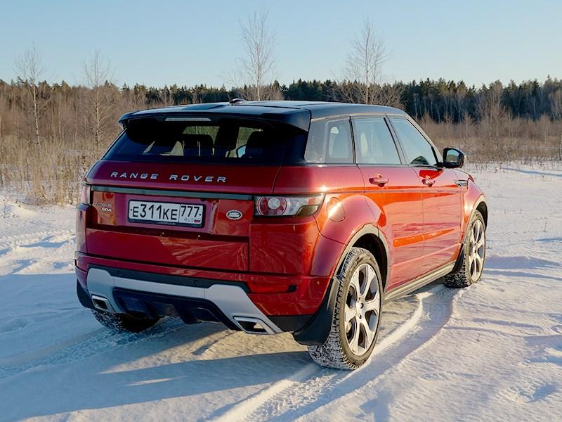 Range Rover Evoque 2012 вид сзади сбоку
