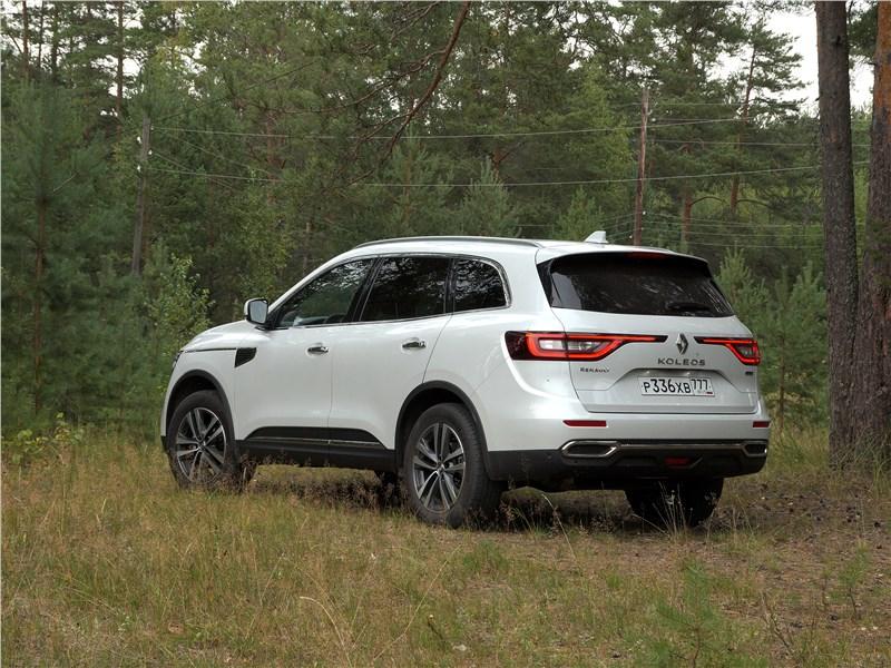 Renault Koleos 2017 вид сзади