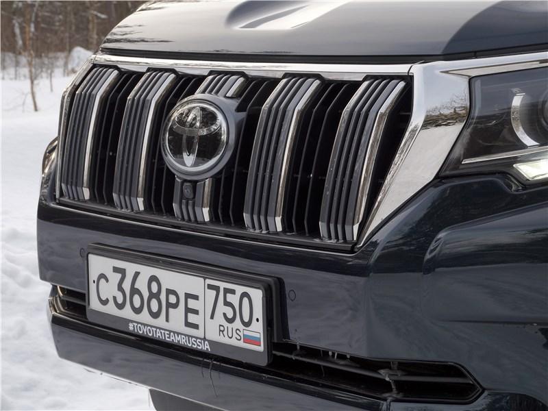 Toyota Land Cruiser Prado 2017 решетка радиатора