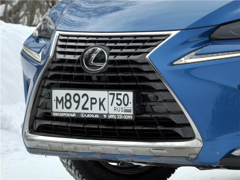 Lexus NX 2018 решетка радиатора