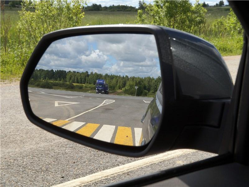 Ravon R4 2016 боковое зеркало