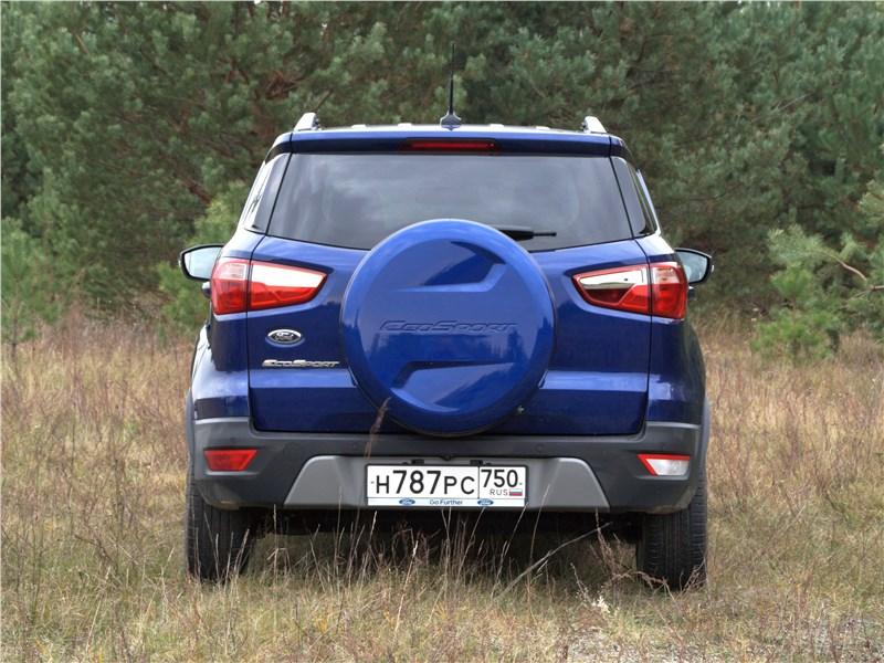 Ford EcoSport 2018 вид сзади