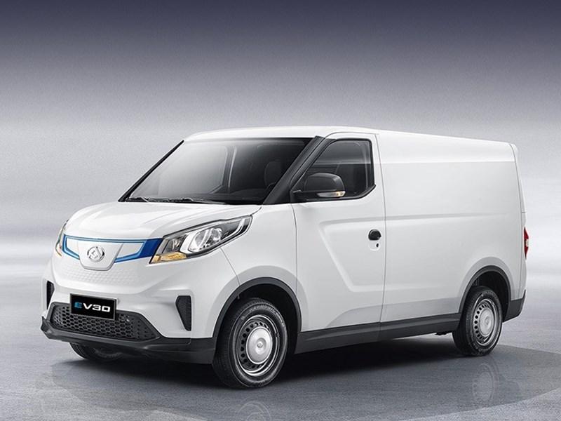Китайцы выпустили электрический фургончик