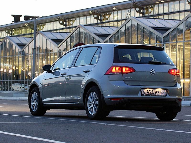 Volkswagen Golf VII 2013 вид сзади