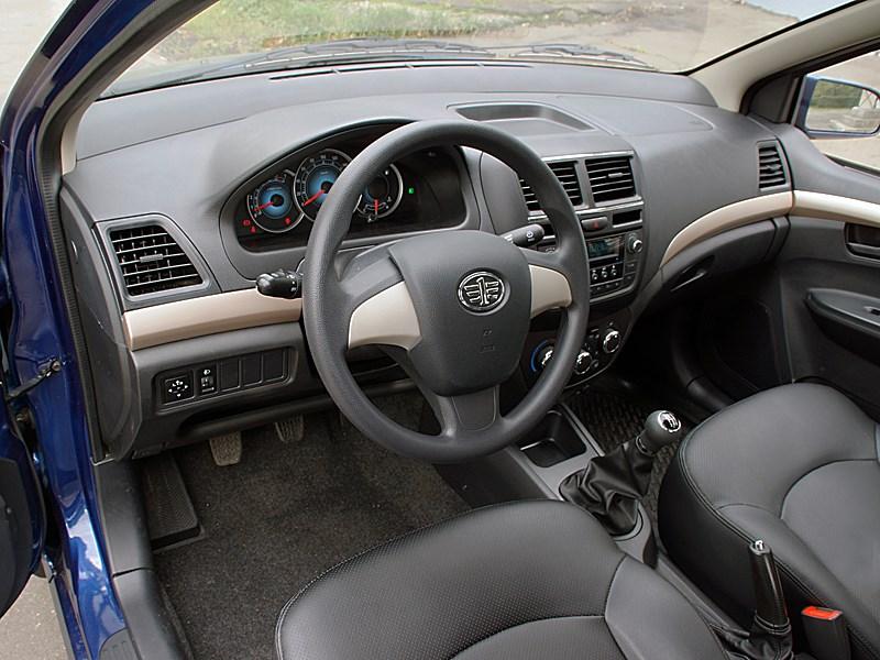 FAW V5 2012 водительское место