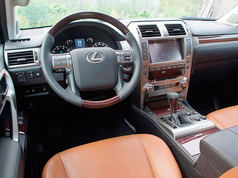 Lexus GX 460 2014 водительское место