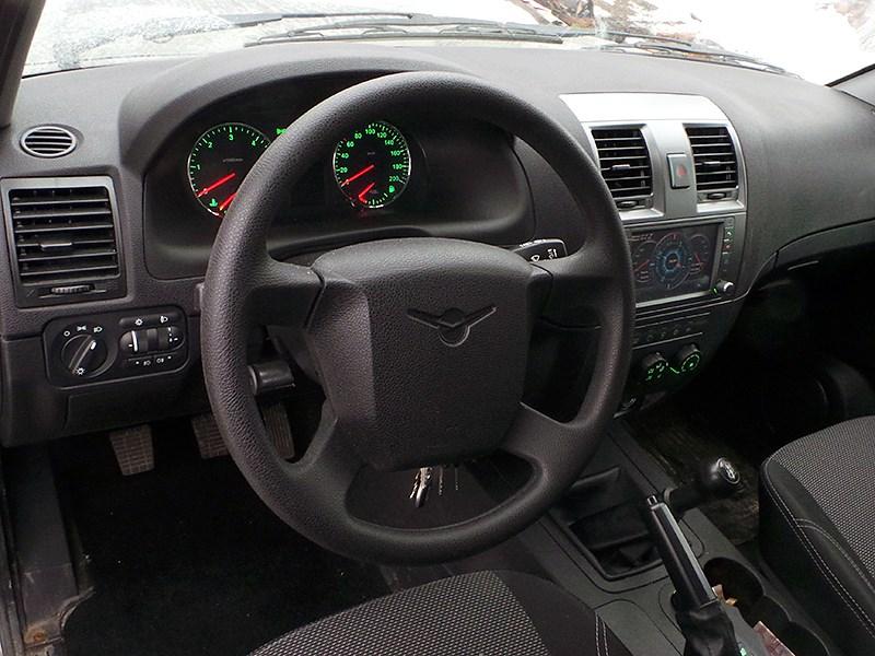 UAZ Patriot 2014 водительское место