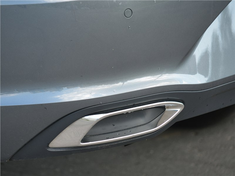 Volkswagen Polo (2020) выхлопная труба